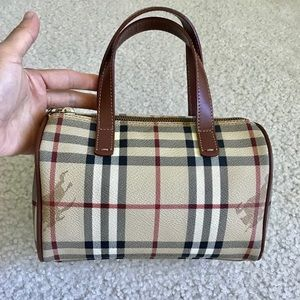 50834a69cc Burberry Bags | Euc Authentic Haymarket Check Large Tote | Poshmark